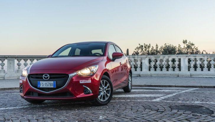 Prova nuova Mazda2: la leggerezza dell'1.5 Skyactiv-G da 90CV a benzina - Foto 7 di 26