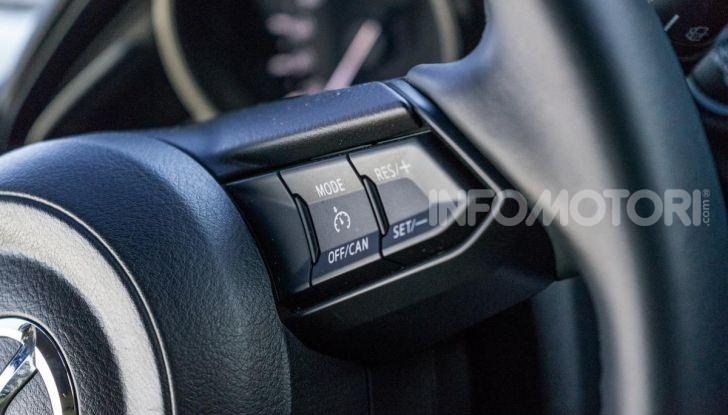 Prova nuova Mazda2: la leggerezza dell'1.5 Skyactiv-G da 90CV a benzina - Foto 12 di 26