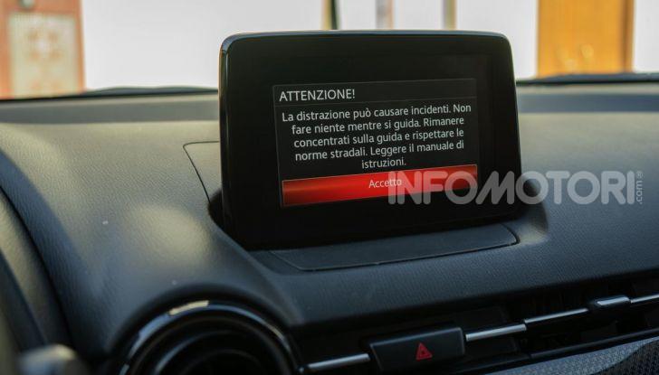 Prova nuova Mazda2: la leggerezza dell'1.5 Skyactiv-G da 90CV a benzina - Foto 15 di 26