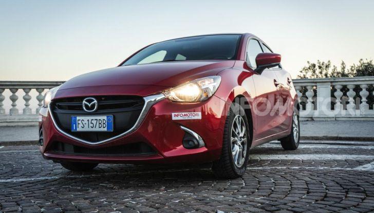 Prova nuova Mazda2: la leggerezza dell'1.5 Skyactiv-G da 90CV a benzina - Foto 23 di 26