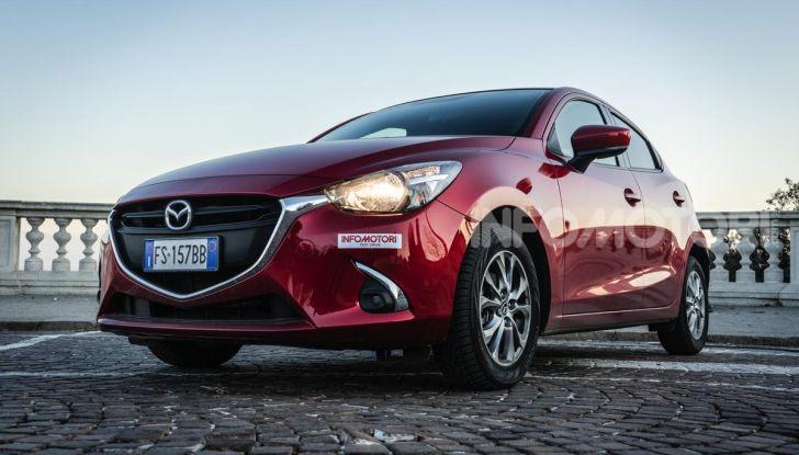 Prova nuova Mazda2: la leggerezza dell'1.5 Skyactiv-G da 90CV a benzina - Foto 22 di 26