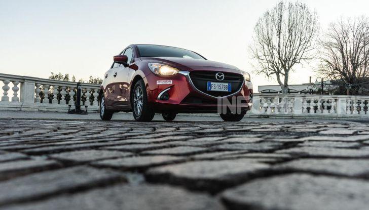 Prova nuova Mazda2: la leggerezza dell'1.5 Skyactiv-G da 90CV a benzina - Foto 26 di 26