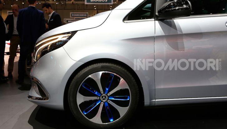 Mercedes Concept EQV: il primo monovolume premium 100% elettrico - Foto 4 di 11