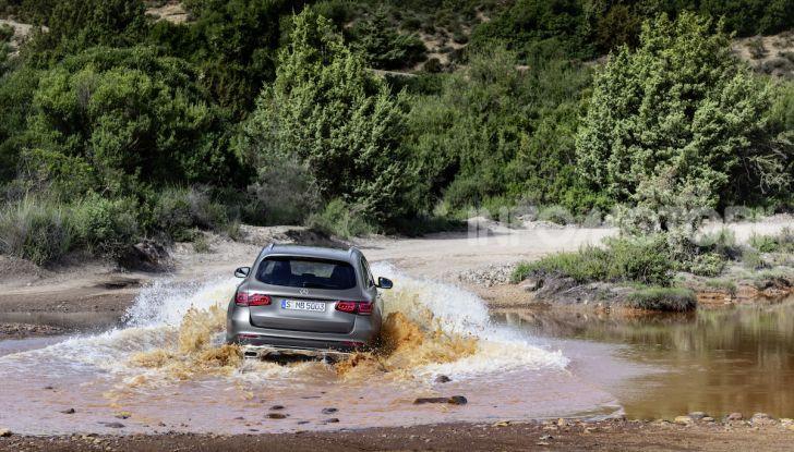 Nuova Mercedes GLC: per la strada e per l'offroad - Foto 10 di 26