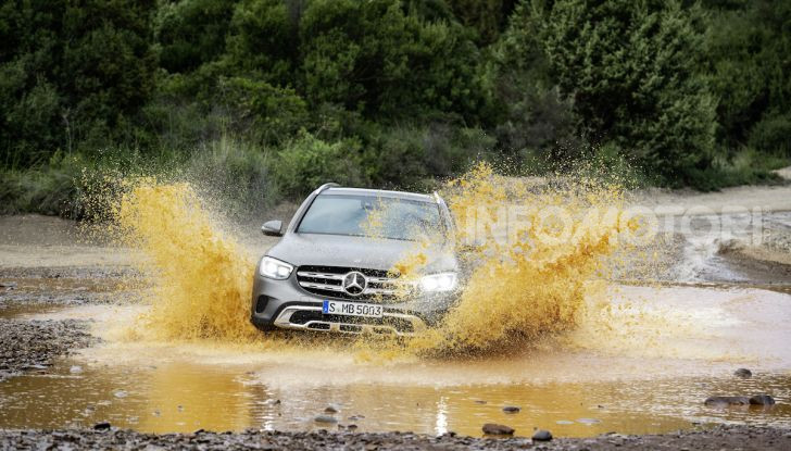 Nuova Mercedes GLC: per la strada e per l'offroad - Foto 11 di 26