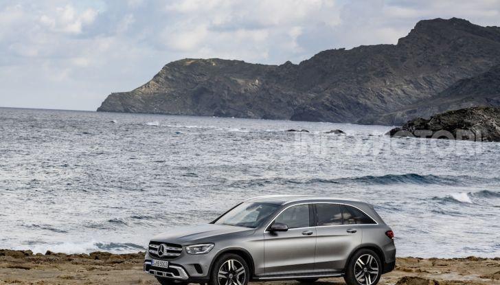 Nuova Mercedes GLC: per la strada e per l'offroad - Foto 15 di 26