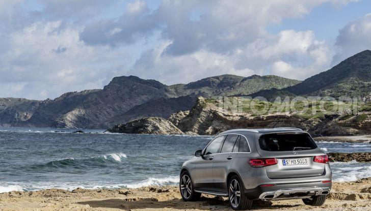Nuova Mercedes GLC: per la strada e per l'offroad - Foto 16 di 26