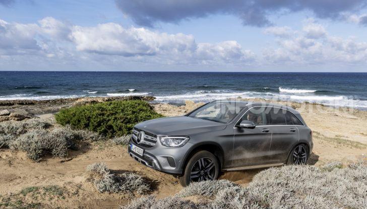 Nuova Mercedes GLC: per la strada e per l'offroad - Foto 17 di 26