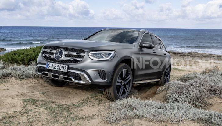 Nuova Mercedes GLC: per la strada e per l'offroad - Foto 18 di 26
