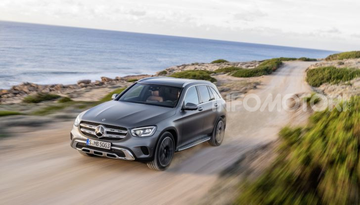 Nuova Mercedes GLC: per la strada e per l'offroad - Foto 21 di 26