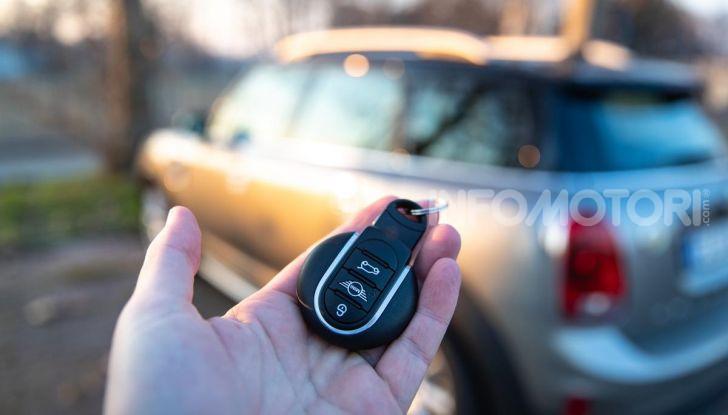Prova MINI Countryman ibrida plug-in 2019: 224CV per risparmiare - Foto 33 di 57