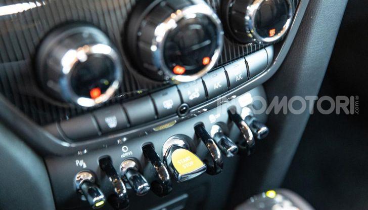 Prova MINI Countryman ibrida plug-in 2019: 224CV per risparmiare - Foto 28 di 57