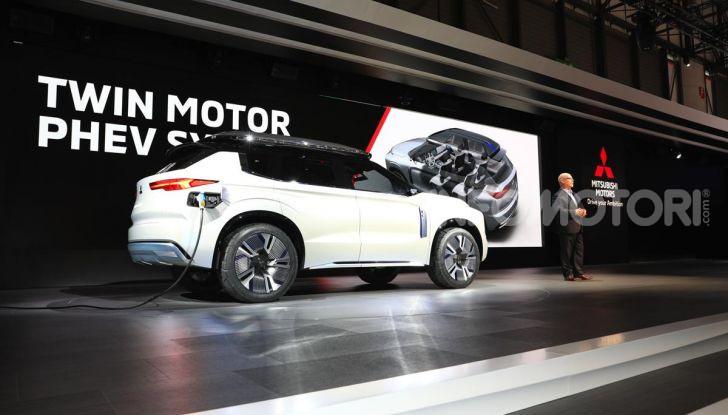 Mitsubishi Engelberg Tourer: SUV elettrico per il Salone di Ginevra 2019 - Foto 24 di 40