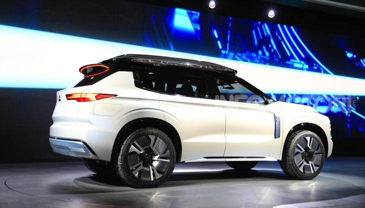 Mitsubishi Engelberg Tourer: SUV elettrico per il Salone di Ginevra 2019 - Foto 32 di 40
