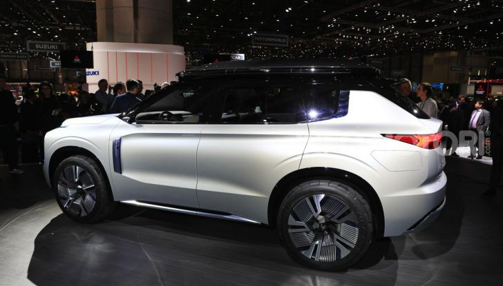 Mitsubishi Engelberg Tourer: SUV elettrico per il Salone di Ginevra 2019 - Foto 6 di 40