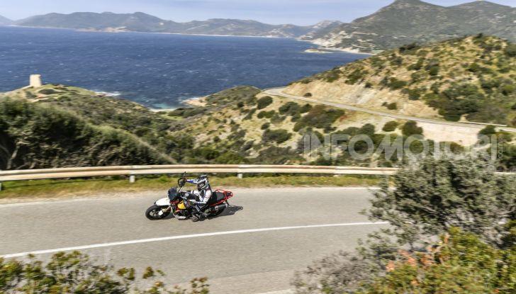Prova su strada Moto Guzzi V85TT: caratteristiche, prezzo e opinioni - Foto 3 di 116