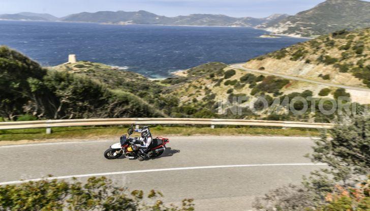 Prova su strada Moto Guzzi V85TT: caratteristiche, prezzo e opinioni - Foto 4 di 116