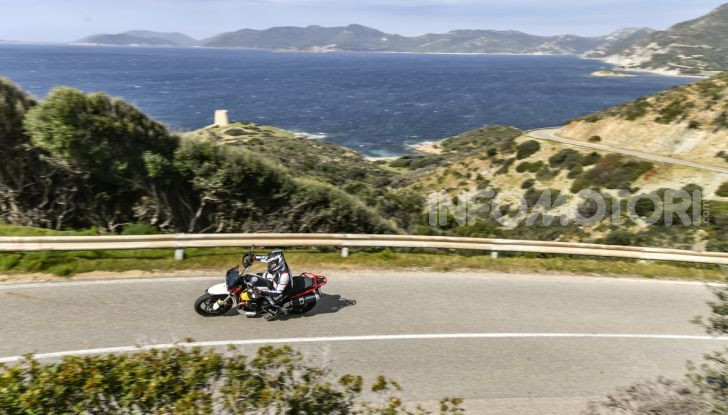 La Moto Guzzi V85TT piace e Mandello assume 18 giovani operai - Foto 5 di 116