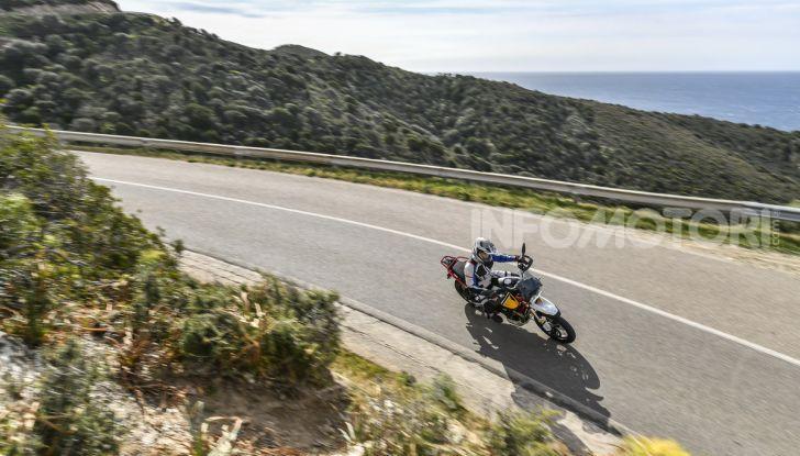 Prova su strada Moto Guzzi V85TT: caratteristiche, prezzo e opinioni - Foto 7 di 116