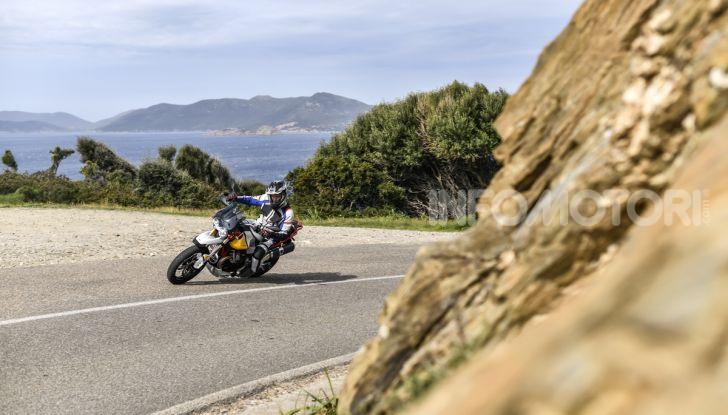 Prova su strada Moto Guzzi V85TT: caratteristiche, prezzo e opinioni - Foto 12 di 116