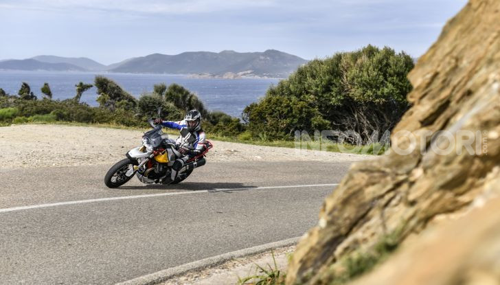 Prova su strada Moto Guzzi V85TT: caratteristiche, prezzo e opinioni - Foto 13 di 116