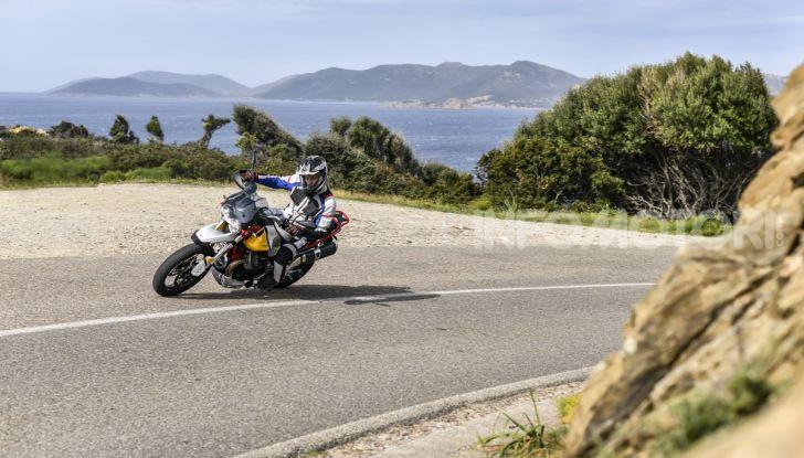 Prova su strada Moto Guzzi V85TT: caratteristiche, prezzo e opinioni - Foto 14 di 116