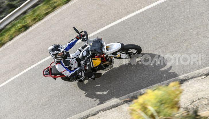 Prova su strada Moto Guzzi V85TT: caratteristiche, prezzo e opinioni - Foto 15 di 116