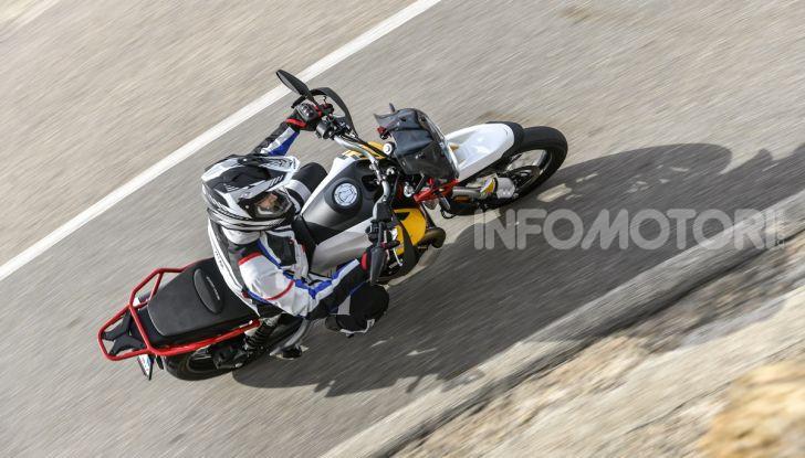 Prova su strada Moto Guzzi V85TT: caratteristiche, prezzo e opinioni - Foto 18 di 116