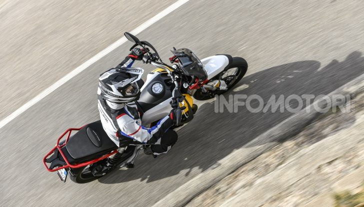 Prova su strada Moto Guzzi V85TT: caratteristiche, prezzo e opinioni - Foto 19 di 116
