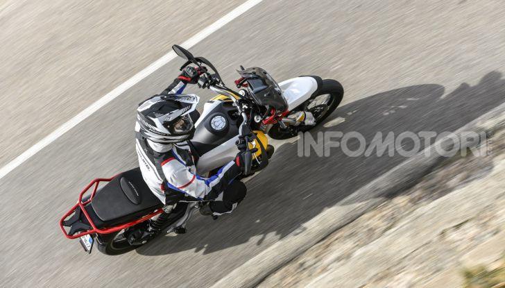 La Moto Guzzi V85TT piace e Mandello assume 18 giovani operai - Foto 19 di 116