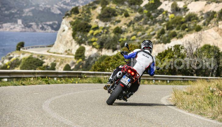Prova su strada Moto Guzzi V85TT: caratteristiche, prezzo e opinioni - Foto 22 di 116