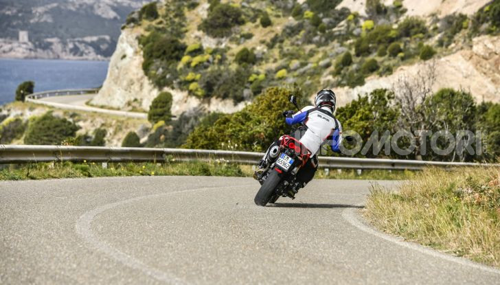 Prova su strada Moto Guzzi V85TT: caratteristiche, prezzo e opinioni - Foto 25 di 116