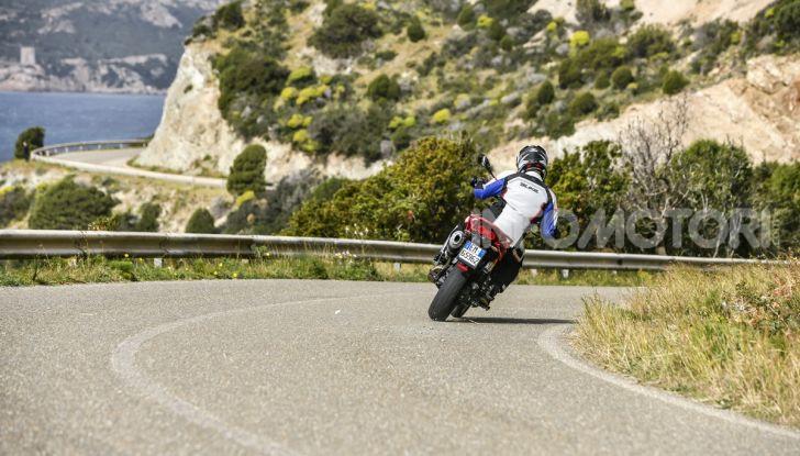 Prova su strada Moto Guzzi V85TT: caratteristiche, prezzo e opinioni - Foto 26 di 116