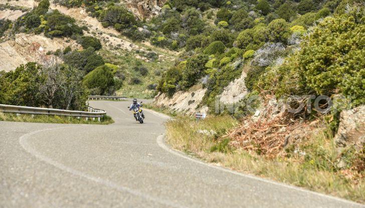 Prova su strada Moto Guzzi V85TT: caratteristiche, prezzo e opinioni - Foto 27 di 116