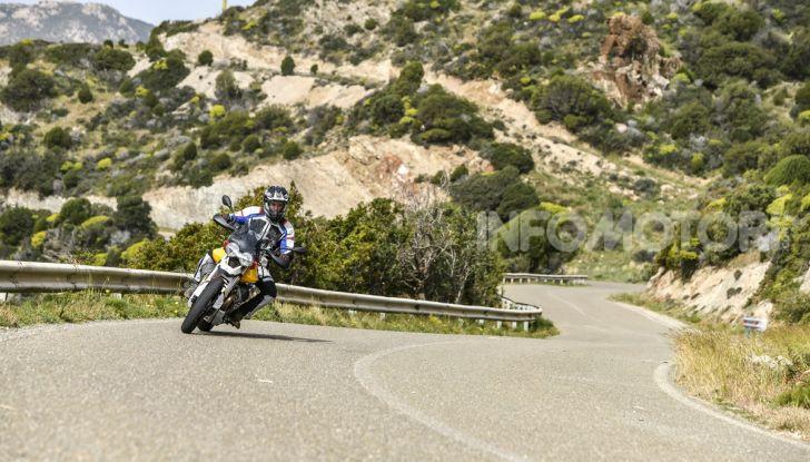 Prova su strada Moto Guzzi V85TT: caratteristiche, prezzo e opinioni - Foto 28 di 116