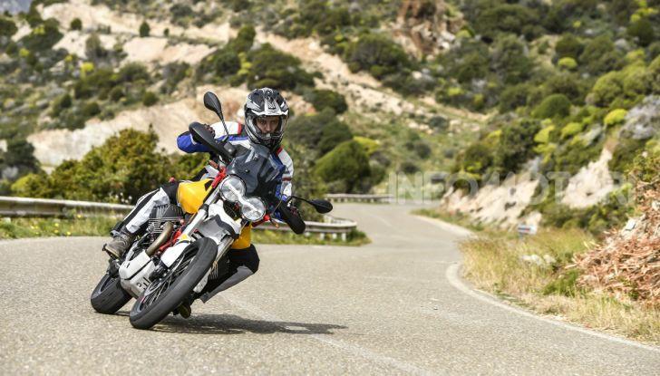 Prova su strada Moto Guzzi V85TT: caratteristiche, prezzo e opinioni - Foto 31 di 116