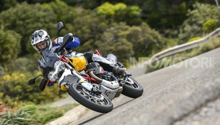 Prova su strada Moto Guzzi V85TT: caratteristiche, prezzo e opinioni - Foto 34 di 116