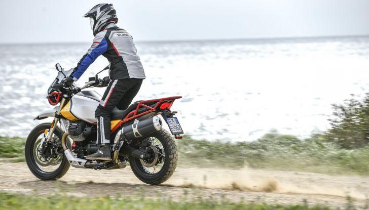 Prova su strada Moto Guzzi V85TT: caratteristiche, prezzo e opinioni - Foto 36 di 116