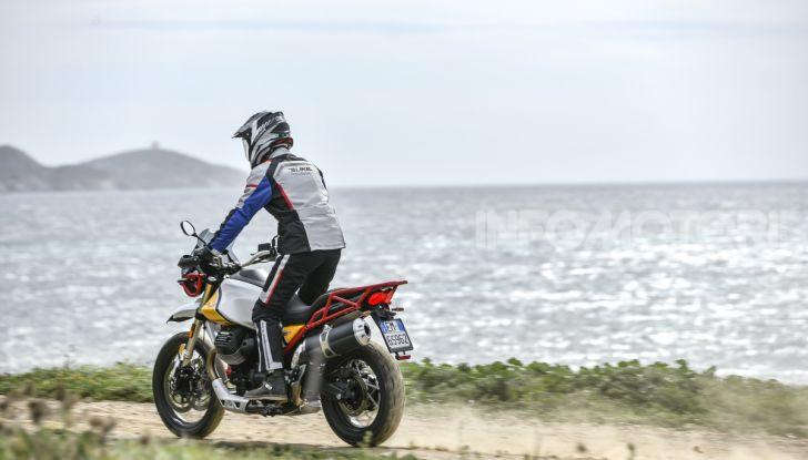 Prova su strada Moto Guzzi V85TT: caratteristiche, prezzo e opinioni - Foto 38 di 116