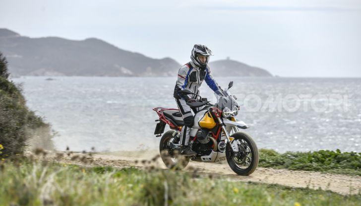 Prova su strada Moto Guzzi V85TT: caratteristiche, prezzo e opinioni - Foto 40 di 116