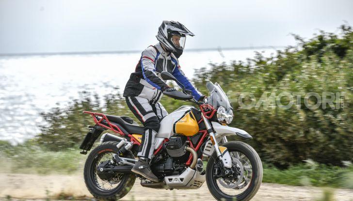 Prova su strada Moto Guzzi V85TT: caratteristiche, prezzo e opinioni - Foto 49 di 116