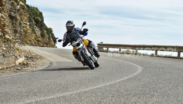 Prova su strada Moto Guzzi V85TT: caratteristiche, prezzo e opinioni - Foto 56 di 116
