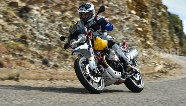 Prova su strada Moto Guzzi V85TT: caratteristiche, prezzo e opinioni - Foto 60 di 116