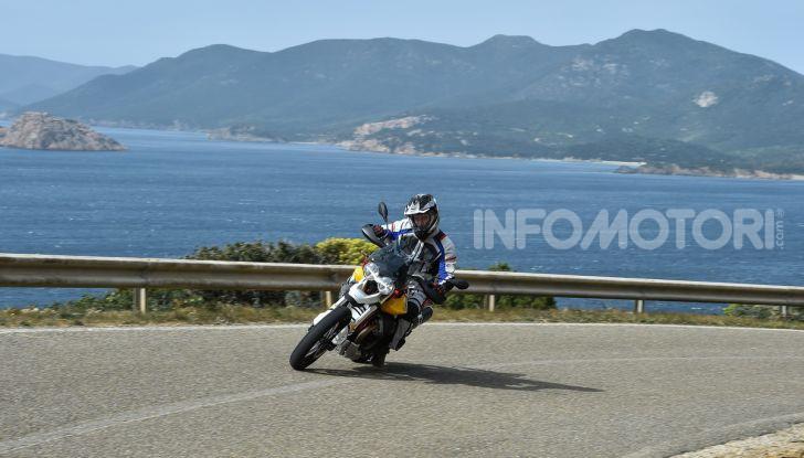 Prova su strada Moto Guzzi V85TT: caratteristiche, prezzo e opinioni - Foto 61 di 116