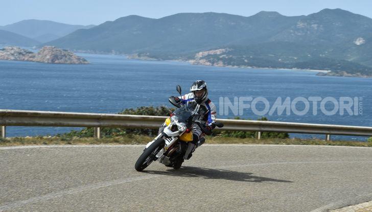 Prova su strada Moto Guzzi V85TT: caratteristiche, prezzo e opinioni - Foto 62 di 116