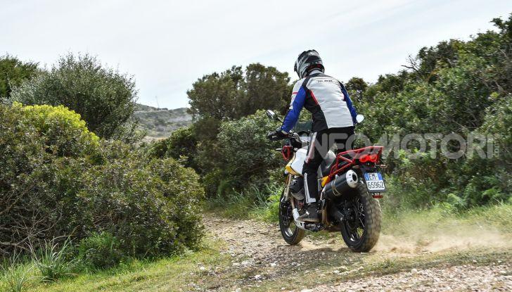 Prova su strada Moto Guzzi V85TT: caratteristiche, prezzo e opinioni - Foto 68 di 116