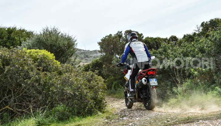 Prova su strada Moto Guzzi V85TT: caratteristiche, prezzo e opinioni - Foto 69 di 116