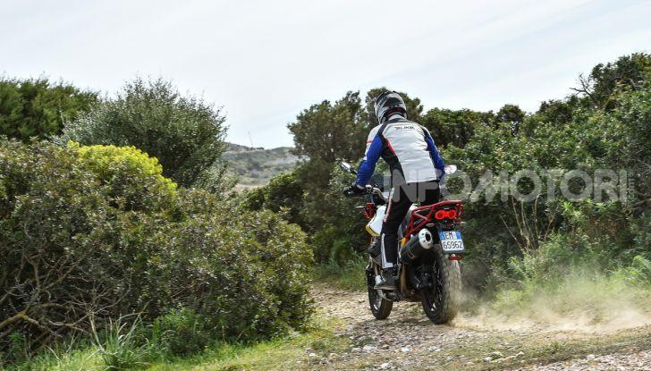 La Moto Guzzi V85TT piace e Mandello assume 18 giovani operai - Foto 69 di 116
