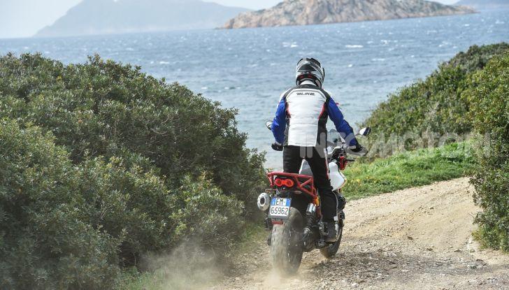 Prova su strada Moto Guzzi V85TT: caratteristiche, prezzo e opinioni - Foto 75 di 116