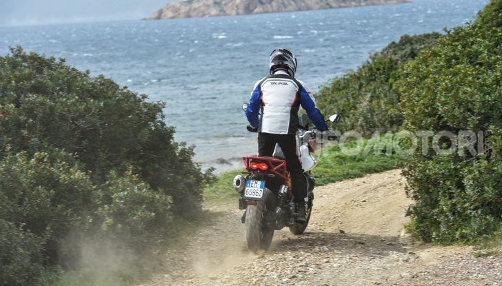 Prova su strada Moto Guzzi V85TT: caratteristiche, prezzo e opinioni - Foto 76 di 116